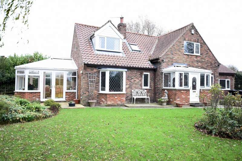 3 Bedrooms Detached House for sale in King Street, Muston, Filey, North Yorkshire YO14 0EW