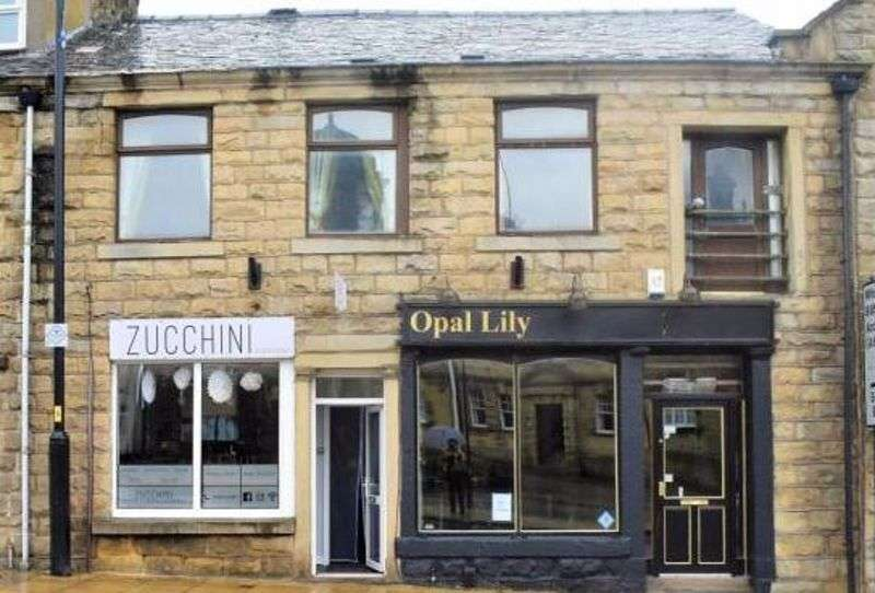 3 Bedrooms Property for sale in Blackburn Road, Blackburn, BB6