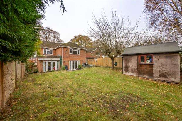 4 Bedrooms Detached House for sale in All Hallows Road, Caversham, Reading