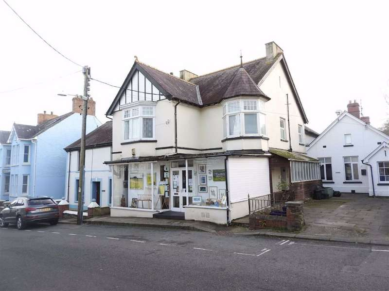 2 Bedrooms Property for sale in High Street, St. Dogmaels, Cardigan, Ceredigion