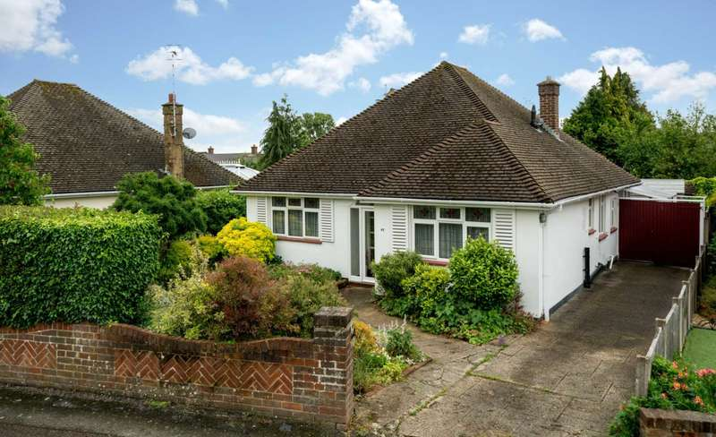 2 Bedrooms Detached Bungalow for sale in DETACHED BUNGALOW WITH GARAGE IN BOXMOOR