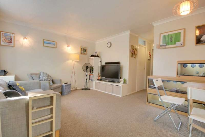 1 Bedroom Maisonette Flat for sale in GROUND FLOOR PROPERTY CLOSE TO STATION, HP1