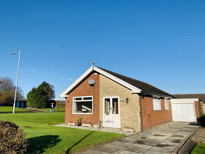 2 Bedrooms Bungalow for sale in Chesterton Drive, Bolton, Greater Manchester, BL3