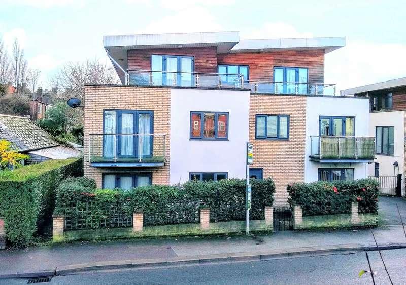 2 Bedrooms Maisonette Flat for sale in St Albans Hill, Hemel Hempstead