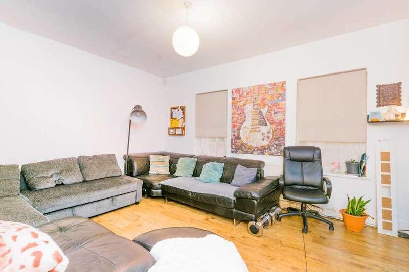 2 Bedrooms Flat for sale in North Birkbeck Road, Leytonstone, E11