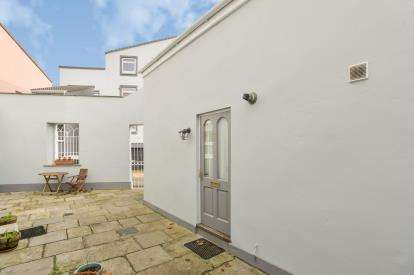 2 Bedrooms Terraced House for sale in Rowe Street, Torpoint, Cornwall