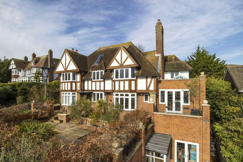 6 Bedrooms Detached House for sale in Baslow Road, Eastbourne, BN20 7UJ