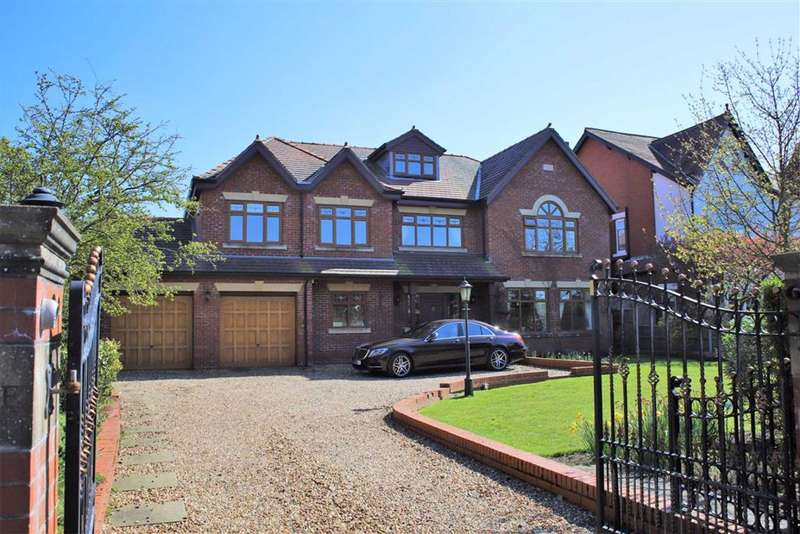 4 Bedrooms Detached House for sale in St Annes Road East, St Annes