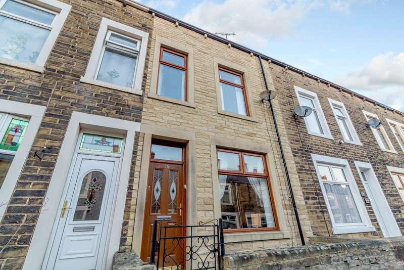 3 Bedrooms Terraced House for sale in Cowgill Street, Earby, Barnoldswick, Lancashire BB18 6NW