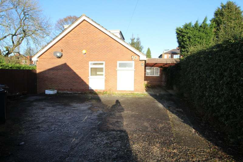 4 Bedrooms Detached Bungalow for sale in Brookside Walk, Radcliffe, Manchester, M26