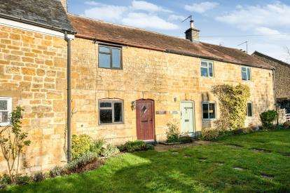 2 Bedrooms Terraced House for sale in Atkinson Street, Childswickham, Broadway, Worcestershire