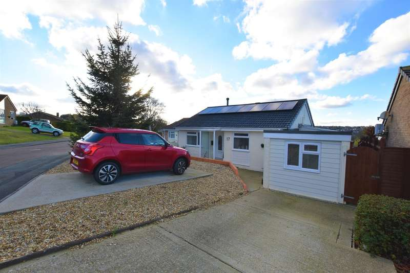 2 Bedrooms Detached Bungalow for sale in Vereker Drive, East Cowes
