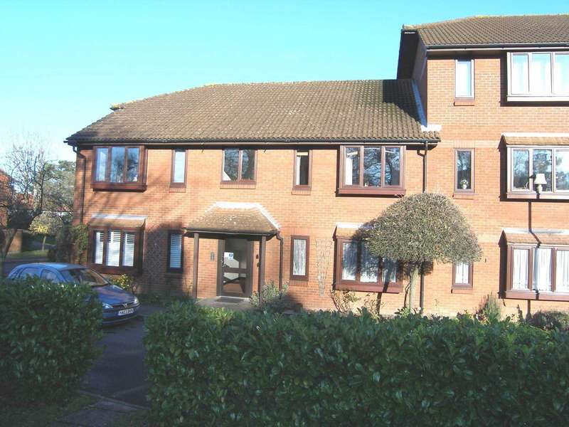 2 Bedrooms Retirement Property for sale in Meadowcroft, High Street, Bushey