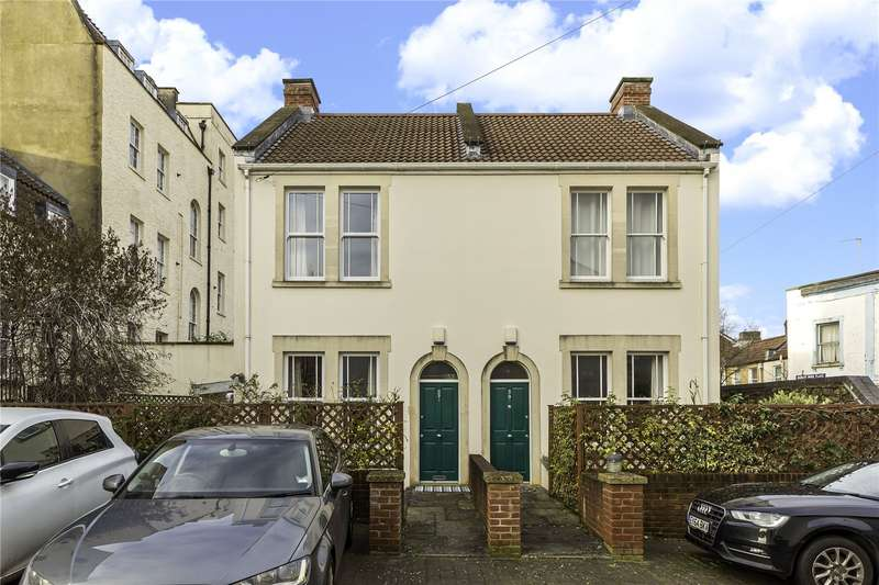 2 Bedrooms Property for sale in Albert Park Place, Montpelier, Bristol BS6
