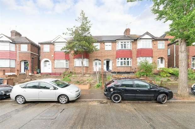 3 Bedrooms Terraced House for sale in Carnanton Road, Walthamstow, London