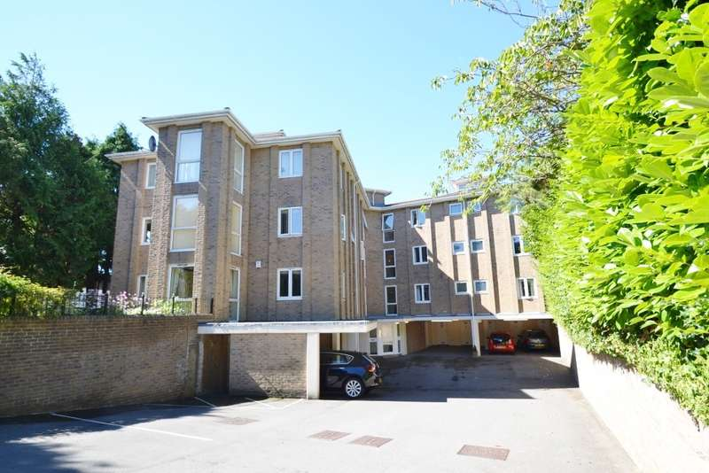 2 Bedrooms Flat for rent in Canford Cliffs