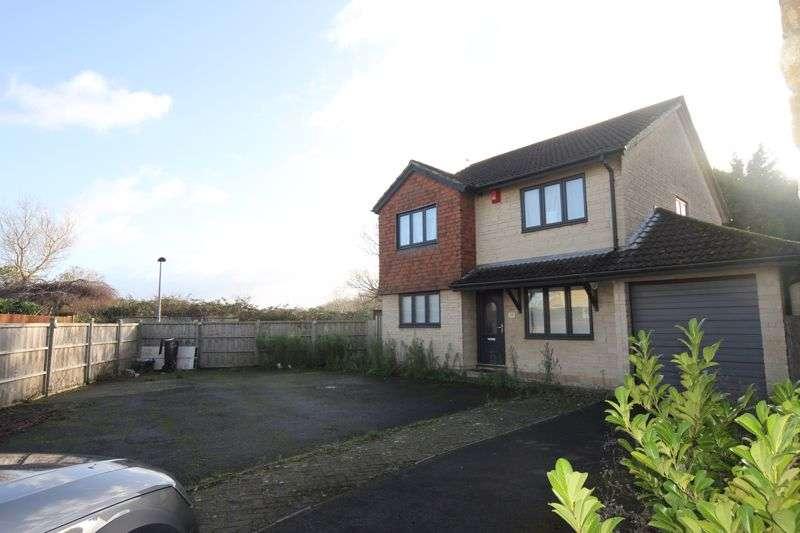 4 Bedrooms Property for sale in De Verose Court Hanham, Bristol
