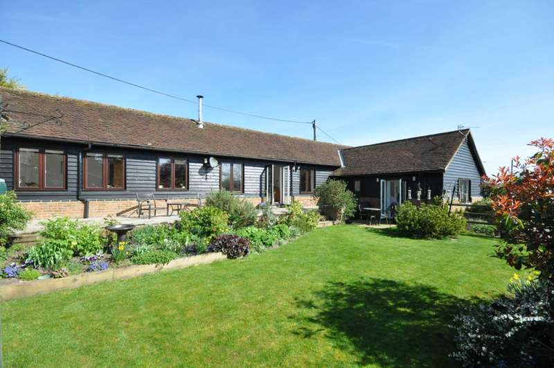 3 Bedrooms Barn Conversion Character Property for sale in Radnage Village - Sprigs Holly Lane