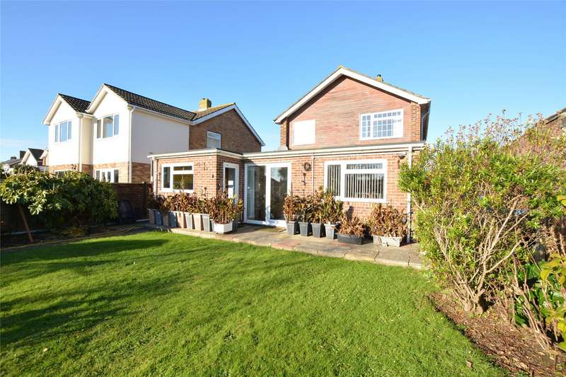 3 Bedrooms Detached House for sale in Pinewood Road, Hordle, Lymington, Hampshire, SO41