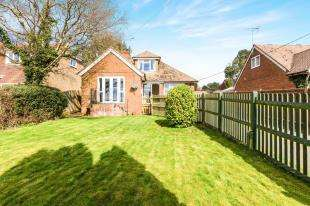 4 Bedrooms Bungalow for sale in Punnetts Town, Heathfield, East Sussex, United Kingdom