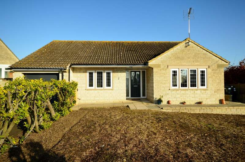3 Bedrooms Detached Bungalow for sale in Stoneyhurst Drive, Curry Rivel, Langport, Somerset, TA10