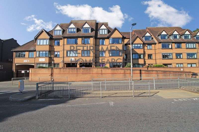 1 Bedroom Property for sale in Manor Court Lodge, South Woodford, E18 2PD