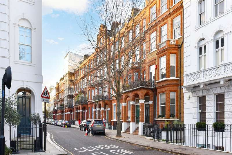 2 Bedrooms Flat for sale in Wetherby Place, London, SW7