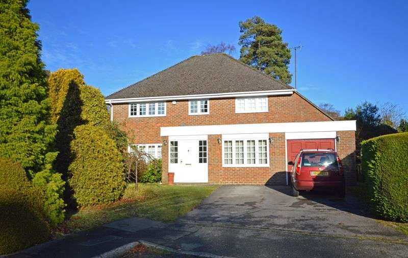 4 Bedrooms Property for sale in Tudor Close, Grayshott