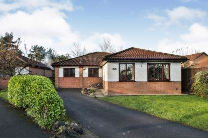 4 Bedrooms Bungalow for sale in Powys Close, Haslingden, Rossendale, Lancashire, BB4