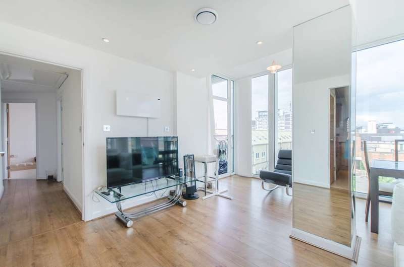 2 Bedrooms Flat for rent in Maritime House, Woolwich, SE18