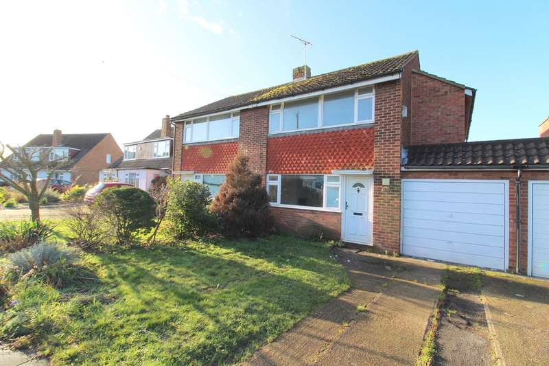 3 Bedrooms Semi Detached House for sale in Stratton Road, Lower Sunbury, TW16