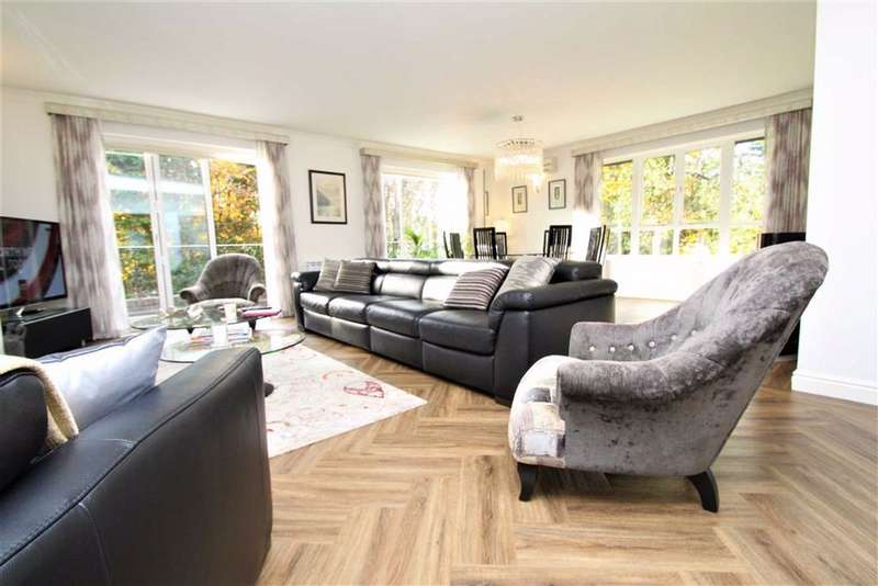 3 Bedrooms Apartment Flat for sale in Hilltop, Hale