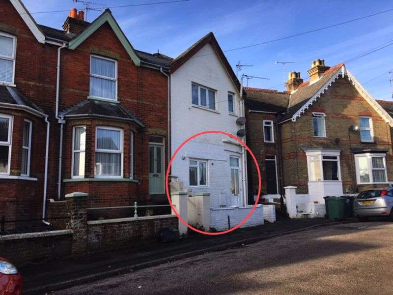 2 Bedrooms Property for sale in Tennyson Road, Cowes