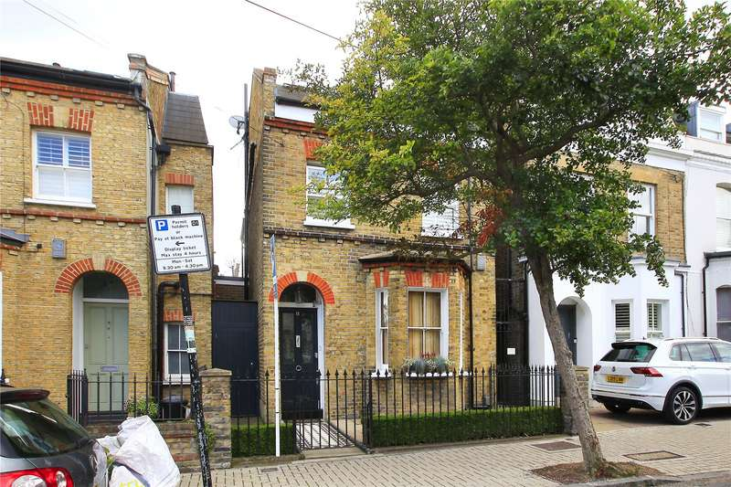 4 Bedrooms Detached House for sale in Nottingham Road, Wandsworth Common, London, SW17