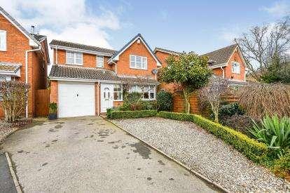 4 Bedrooms Detached House for sale in Huntsmans Gate, Burntwood, Staffordshire, .