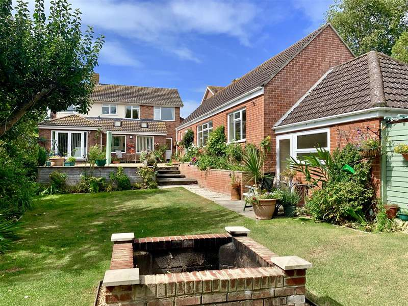 4 Bedrooms Detached House for sale in Substantial House With Large 2 Bed Annex, Southill