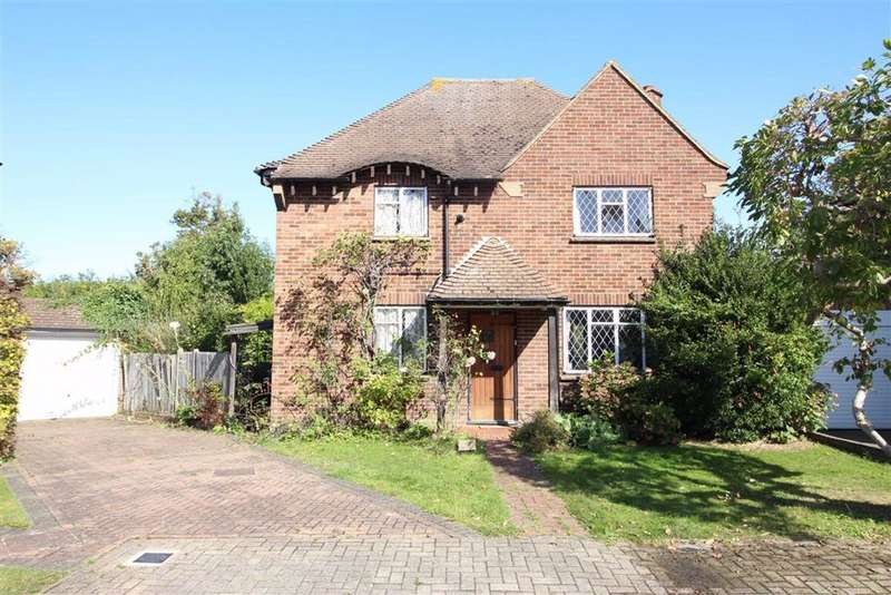 3 Bedrooms Detached House for sale in The Gardens, Beckenham, BR3