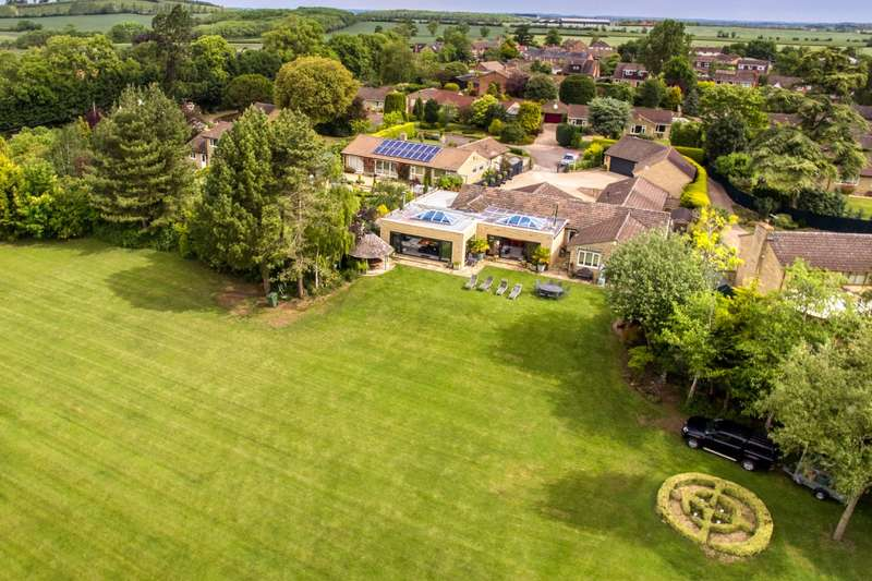 5 Bedrooms Detached House for sale in Old Hall Close, Aston Somerville, Broadway, Worcestershire, WR12