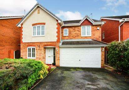 5 Bedrooms Detached House for sale in Wentworth Grove, Winsford, Cheshire