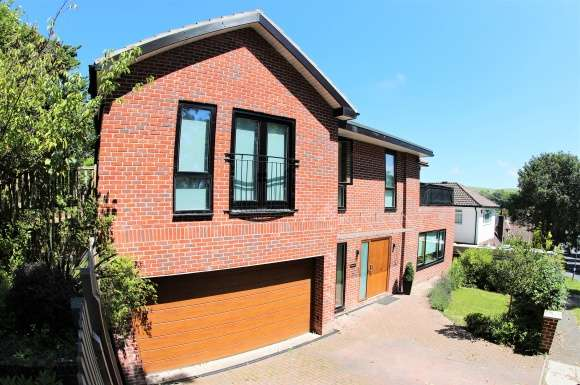 4 Bedrooms Property for sale in Ovingdean, Brighton