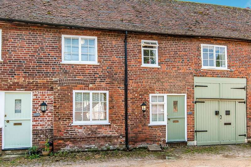 2 Bedrooms House for sale in Stablegate Mews, St. Stephens Road, Canterbury, Kent, CT2