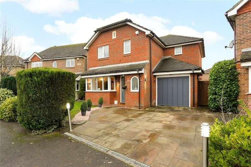 4 Bedrooms Detached House for sale in Catlin Gardens, Godstone, Surrey, RH9
