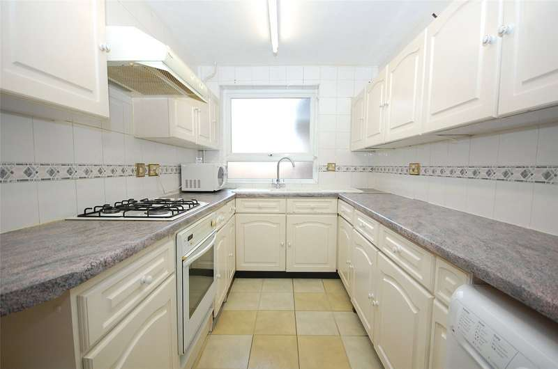 2 Bedrooms Property for sale in Greenacres, Hendon Lane, Finchley