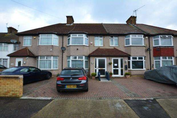 4 Bedrooms Terraced House for sale in Pinglestone Close, Harmondsworth, West Drayton