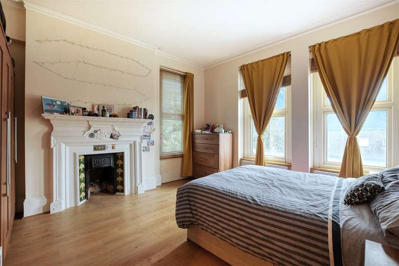 3 Bedrooms Flat for sale in Muswell Hill Road, Muswell Hill, London, N10