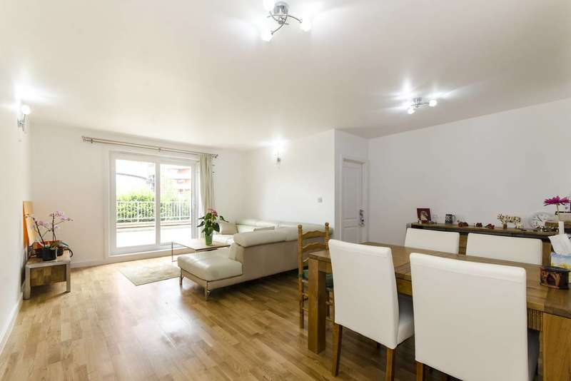 3 Bedrooms Flat for rent in Poseidon Court, Isle Of Dogs, E14