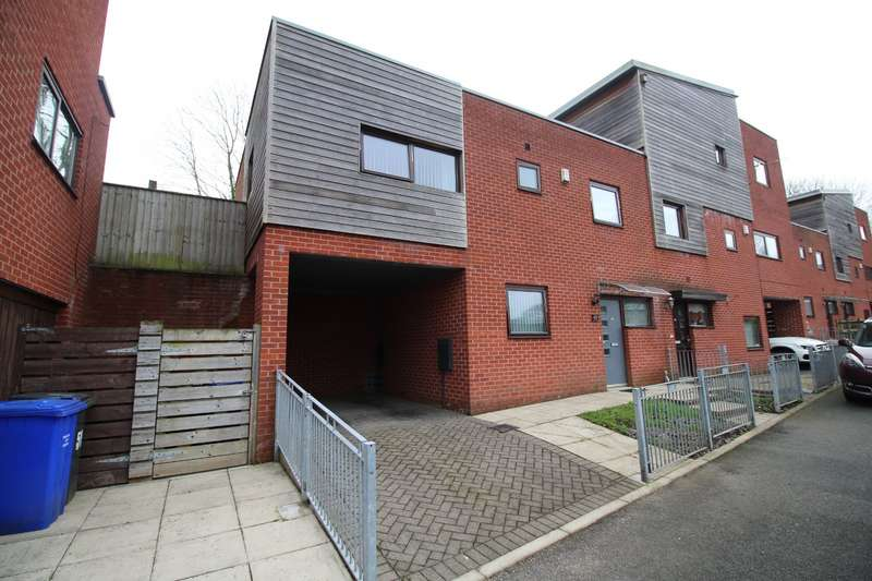 2 Bedrooms Semi Detached House for sale in Asten Fold, Salford, Greater Manchester, M6