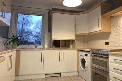 3 Bedrooms Flat for rent in Glencairn Terrace, Kilmarnock