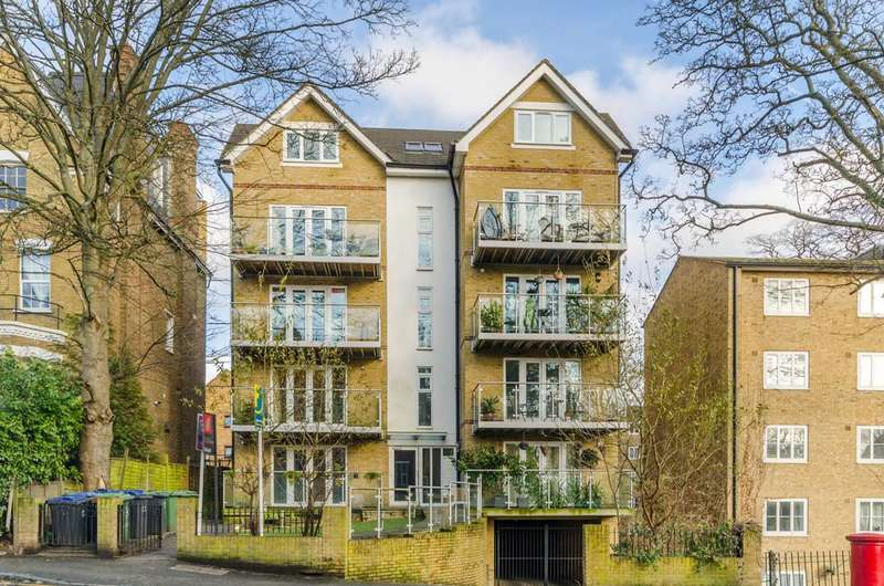 2 Bedrooms Flat for sale in Crystal Palace Park Road, Crystal Palace, SE26