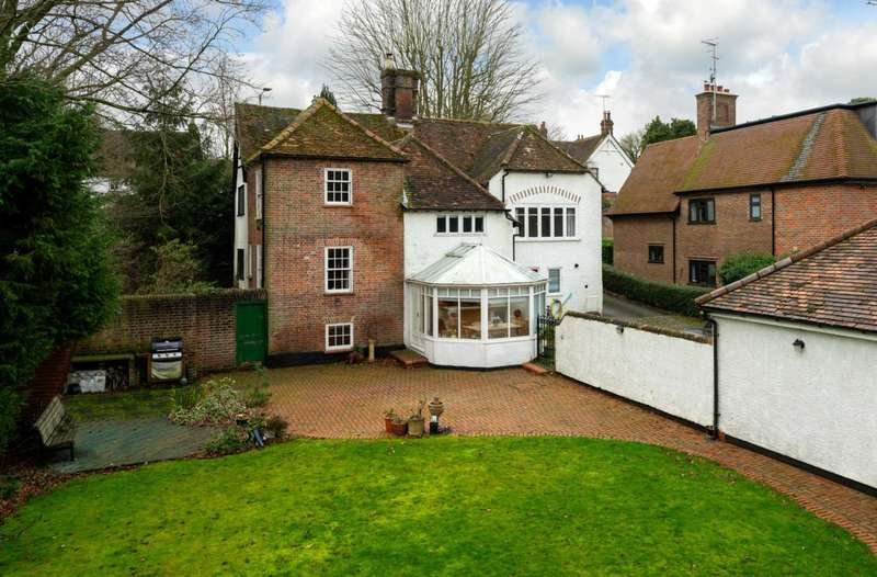4 Bedrooms House for sale in GRADE 2 LISTED, Character, canalside position on OUTSKIRTS BERKHAMSTED No Upper Chain